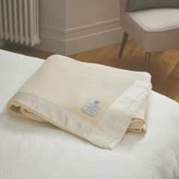 John Atkinson Cashmere de Luxe Blanket - Satin Binding